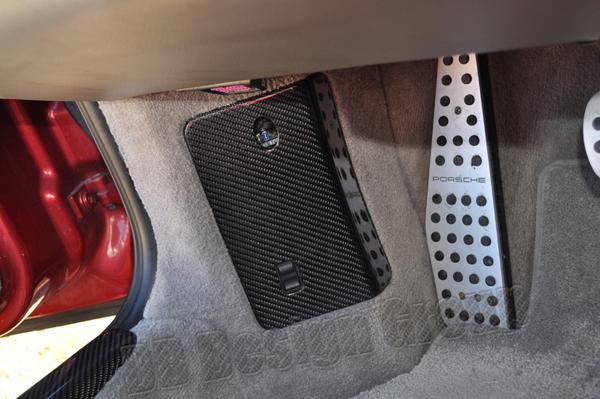 Porsche 996 carbon Sicherungskasten Deckel Blende Fussraum