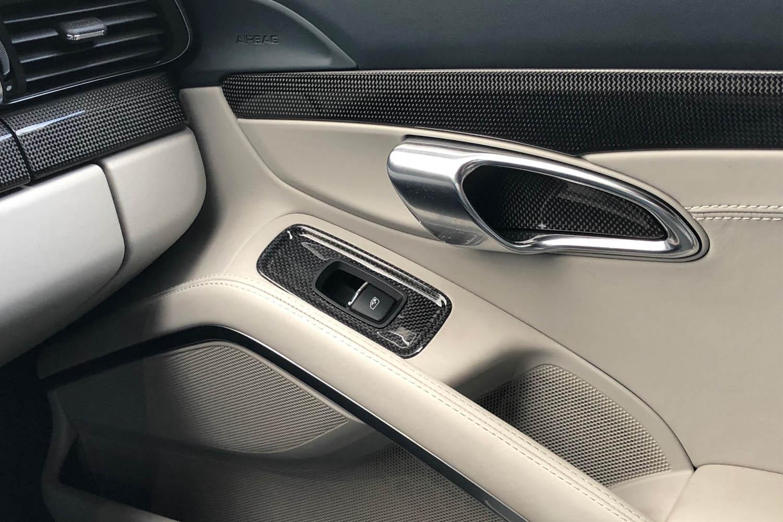 Porsche 981 991 718 Carbon Zierleiste Türverkleidung Echt Carbon Interieur Dekor Verkleidung Carbonteile Armaturenbrett Getränkehalter