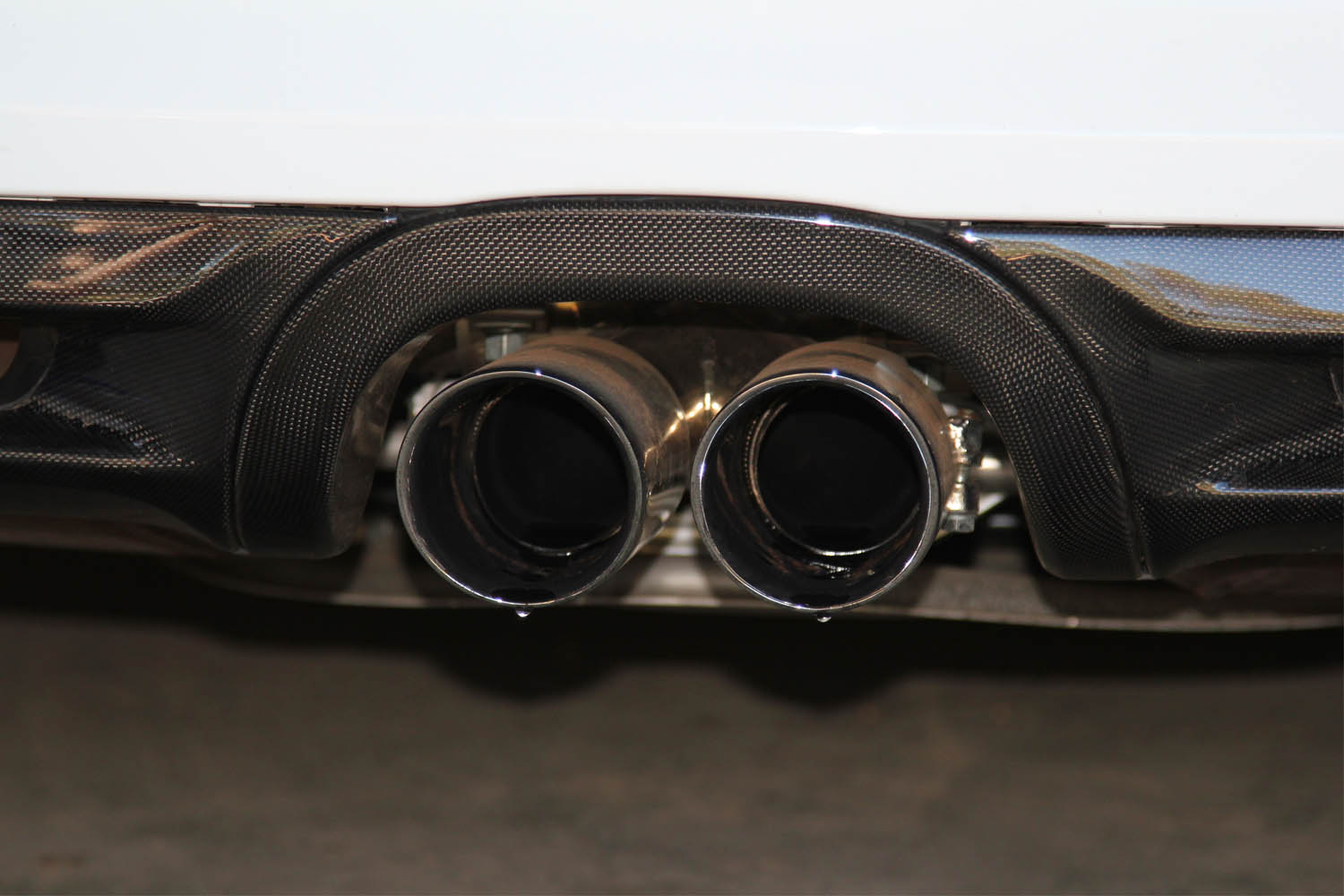 Porsche 981 Boxster Cayman Carbon Diffusor exhaust pipe surround cover rear bumper exterior carbon parts